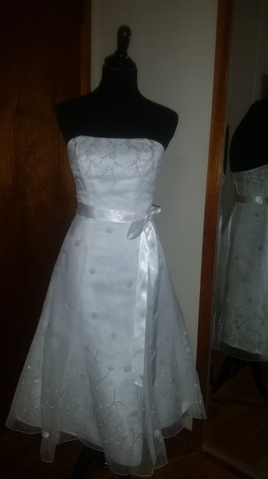 David's Bridal Ivory Wedding Dress Size 4 (S)