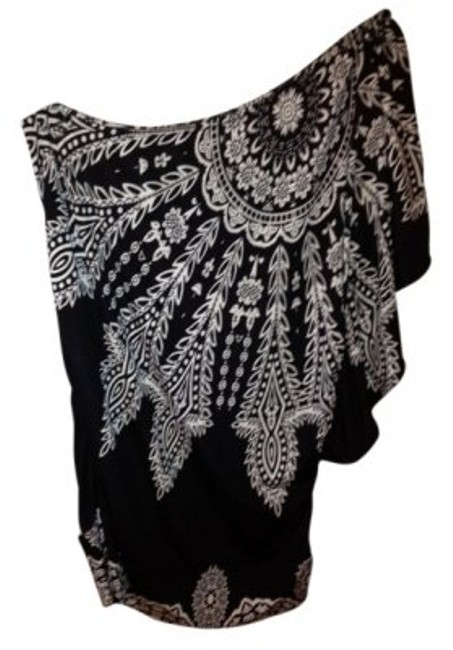 Item - One Shoulder Dressy Black and White Top