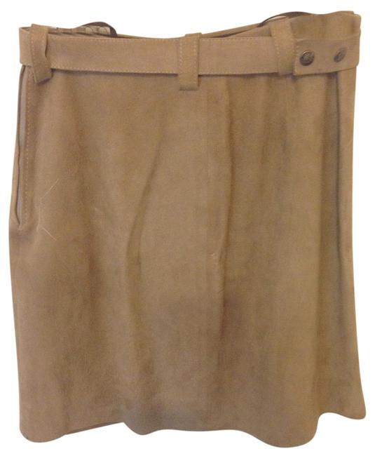 Preload https://img-static.tradesy.com/item/5918332/taupe-suede-miniskirt-size-6-s-28-0-0-650-650.jpg