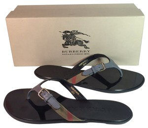 Burberry Flip Flops Nova Check House Check gray Sandals