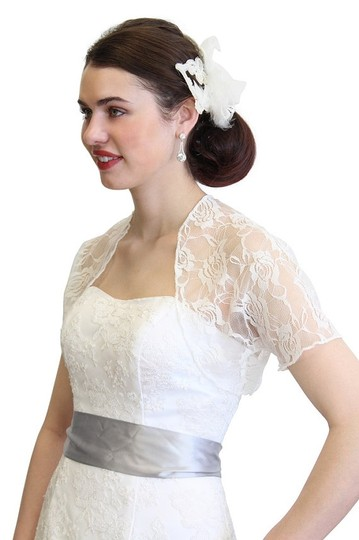 Tion Design Ivory Wedding Bolero