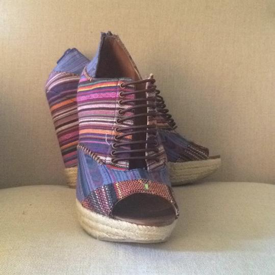 Chinese Laundry Multi colored Wedges