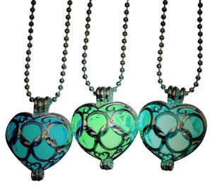 Other Glow in the Dark Green Heart Puffed Silver Necklace Free Shipping