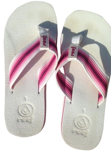 Preload https://item5.tradesy.com/images/reef-flip-flop-white-and-pink-sandals-5932099-0-0.jpg?width=440&height=440