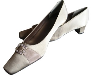 J. Renee Brand New Rhinestone Buckle Taupe Pumps