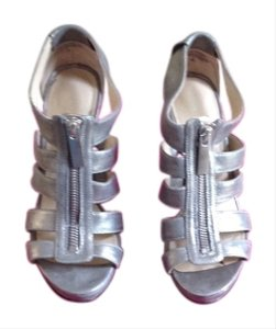 Nine West Size 5 Metallic Sandals