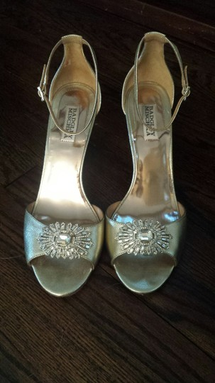 Badgley Mischka Bridal Vintage Wedge Gold Formal