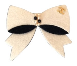 Chanel Chanel bow brooch
