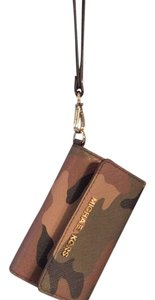 Michael Kors Wristlet in Camoflague