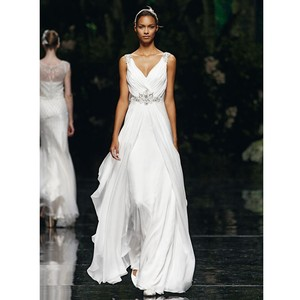 Pronovias Uro Wedding Dress