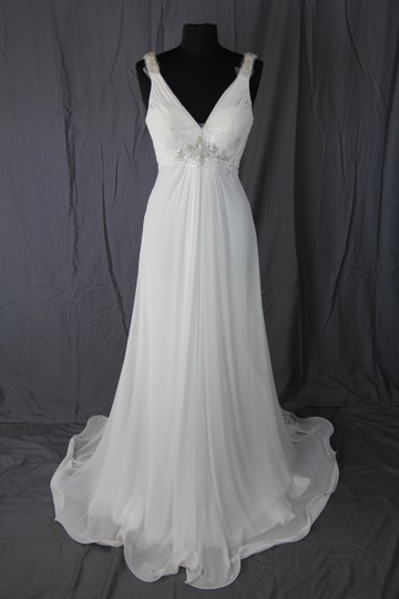 Pronovias Ivory Chiffon Uro Feminine Wedding Dress Size 6 (S)