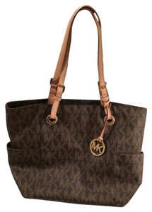 Michael Kors Tote in Brown Monogram