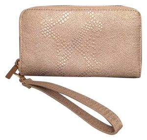 Other Wristlet in White Silver
