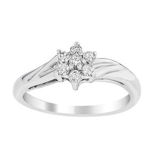 Other 10k White Gold 0.20 Cttw Diamonds 0.15ctw Diamonds Cluster Flower Womens Ring