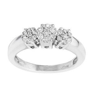 14k White Gold 0.25 Cttw Diamonds Cluster Womens Ring
