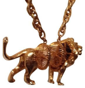 Other Lion Sculpture Necklace