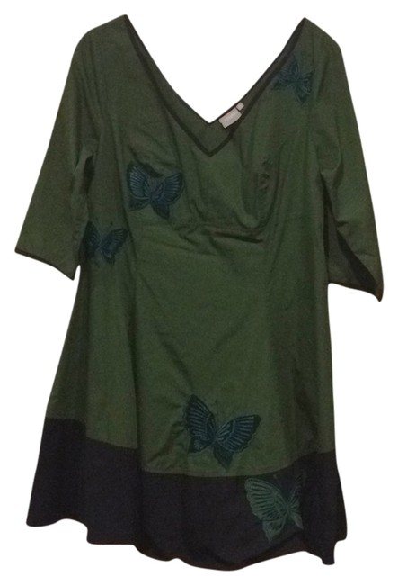 Item - Green/Black Butterfly Embellished Colorblock Knee Length Short Casual Dress Size 20 (Plus 1x)