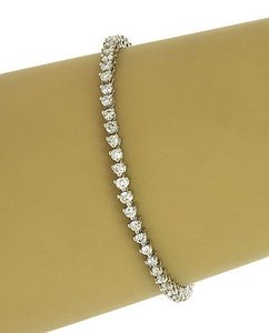 Lavish 22k White Gold Carats Diamonds Ladies Tennis Bracelet W Box