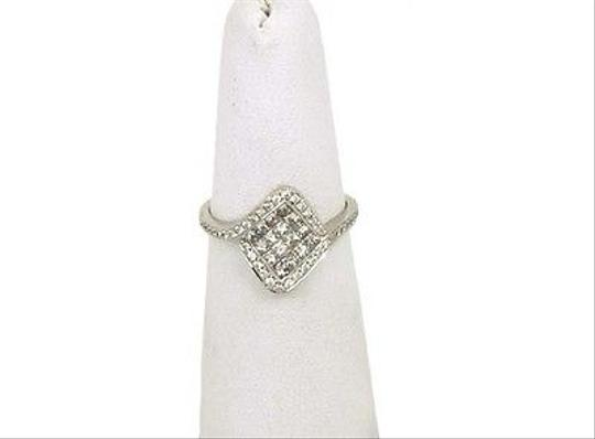 Other Elegant 18k White Gold Round Princess Cut Invisible Set Diamond Cocktail Ring