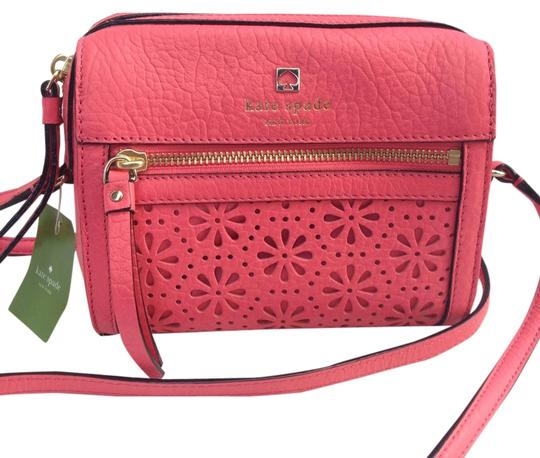 Preload https://item5.tradesy.com/images/kate-spade-looloo-small-perry-lane-peony-empire-red-leather-cross-body-bag-5953264-0-0.jpg?width=440&height=440