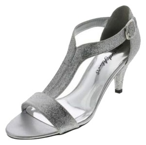 84cd07199dba Women s Silver Easy Street Shoes - Up to 90% off at Tradesy
