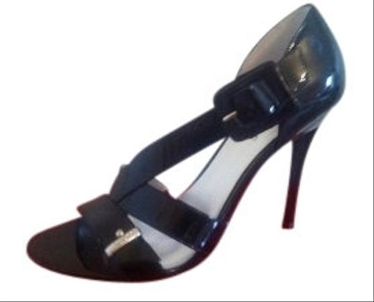Guess By Marciano Style:dabbling Black Patent Leather Sandals