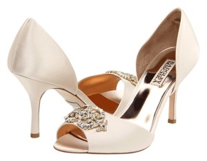 Badgley Mischka Wedding Peep Toe Satin Dorsay Ivory Pumps