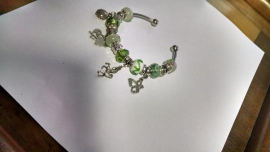 Other European glass bead bracelet with charms A007