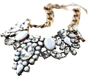 Girls & Queens Girls & Queens Crystal Jewelry Statement Vintage Bib Necklace White