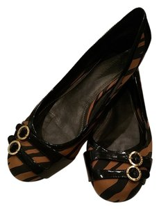 Dana Buchman black and brown Flats