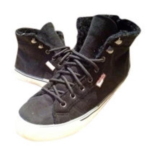 Preload https://img-static.tradesy.com/item/5980/juicy-couture-black-suede-fur-lined-shoeboot-sneakers-size-us-75-0-0-540-540.jpg