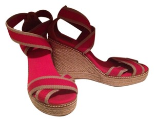 b475379ce8c0 Red Tory Burch Wedges - Up to 90% off at Tradesy
