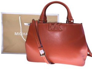 Michael Kors Florence Satchel Leathe Leather Cross Body Bag