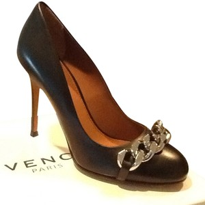 Givenchy Black Pumps
