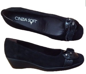 Cinzia Soft Stuart Weitzman Work Black Suede Wedges