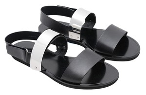 Vince Black with silver Flats