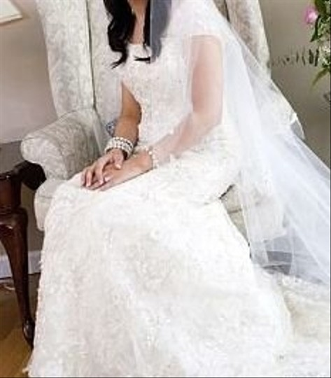 CHRISTOS Ivory Lace A-line Alenon Gown Embellished with Beaded Tulle Overlay Feminine Wedding Dress Size 4 (S)