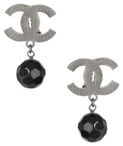 Chanel Vintage 2017 Boutique Collection Silver Plated Engraved Double C Large Black Bead