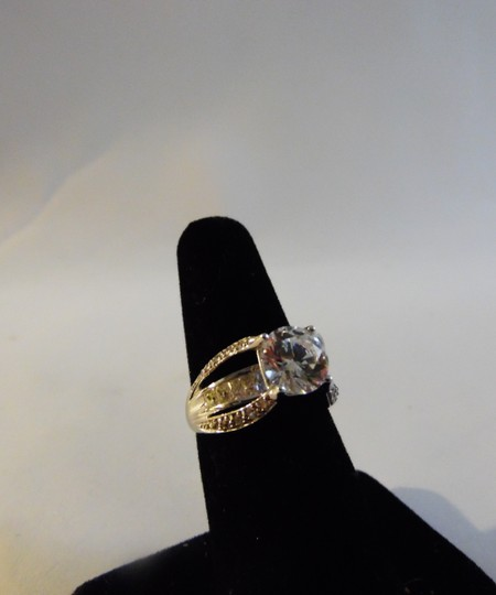 Victoria Wieck RARE Victoria Wieck 14K Absolute Solitaire w/Baguettes