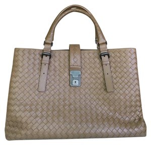 Bottega Veneta Tote in Camel