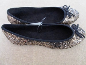 JcPenneys Slippers Sequins Size 8 Black/Gold Flats
