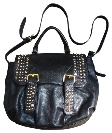 Preload https://item1.tradesy.com/images/black-with-silver-and-gold-metal-cross-body-bag-6015010-0-0.jpg?width=440&height=440