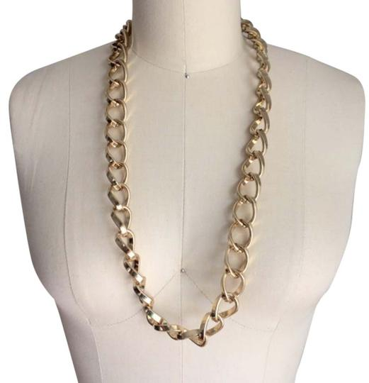 Preload https://item2.tradesy.com/images/saks-fifth-avenue-gold-oversized-chain-link-necklace-6018361-0-0.jpg?width=440&height=440