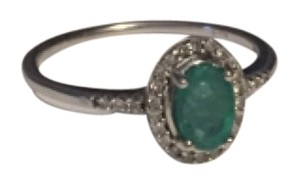 14K White Gold w/ Emerald and diamond ring