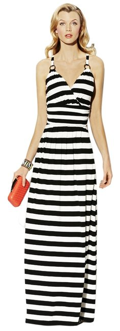 Preload https://item3.tradesy.com/images/vince-camuto-black-and-white-stripe-halter-long-casual-maxi-dress-size-6-s-6019732-0-0.jpg?width=400&height=650