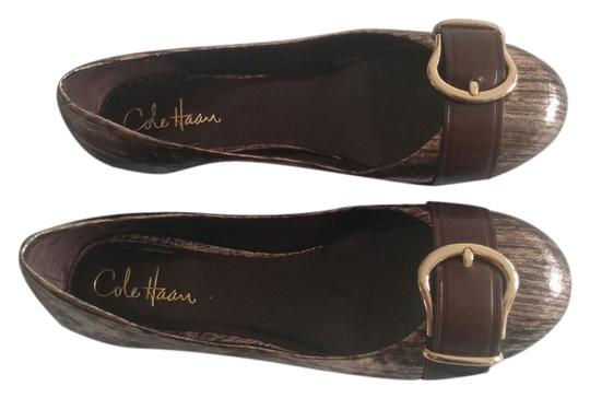 Preload https://item4.tradesy.com/images/cole-haan-bronze-strap-and-buckle-detail-flats-size-us-8-regular-m-b-6019768-0-0.jpg?width=440&height=440