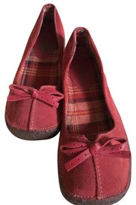 Tribeca by Kenneth Cole Slip Ons Suede Rubber Soles 8 Reddish Flats