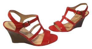 Kate Spade T Strap Italian NEW Deep Pink Patent All Leather Open Toe Wedges