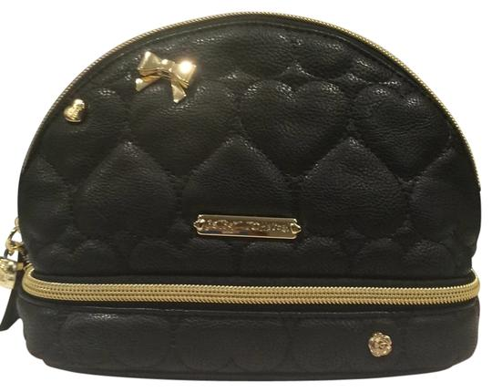 Preload https://item1.tradesy.com/images/betsey-johnson-quilted-hearts-cosmetic-bag-6021550-0-0.jpg?width=440&height=440