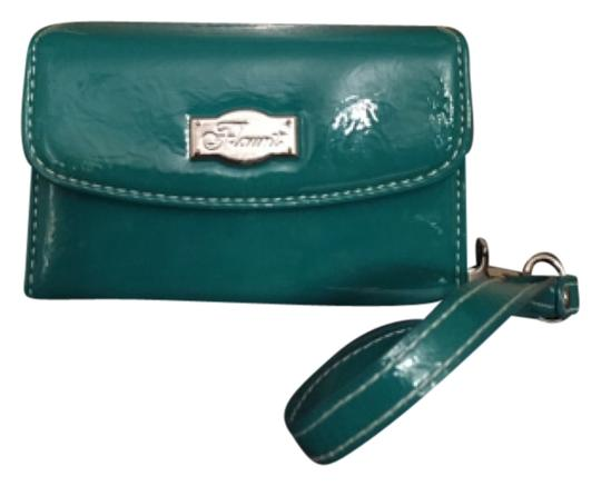 Flaunt Wristlet in Teal